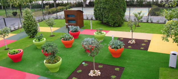 Day Care Centre. Therapeutic garden